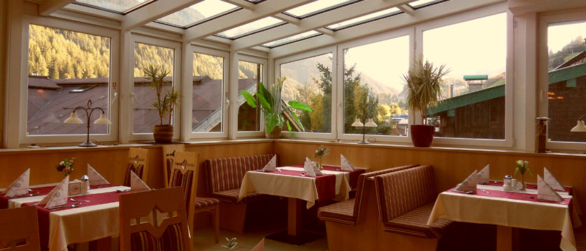 Hotel Nassereinerhof, St. Anton, Austria - Dining room 2.jpg